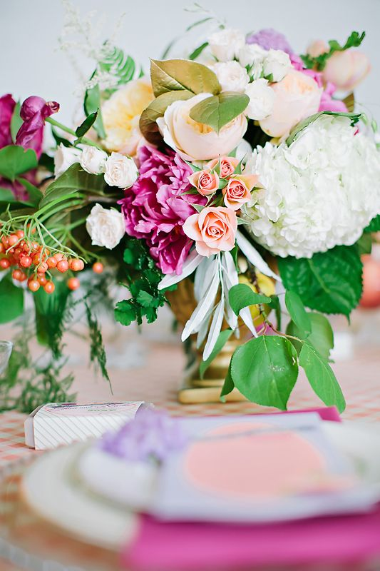 Mariage - Styled Shoot: Georgia Peach Meets Radiant Orchid