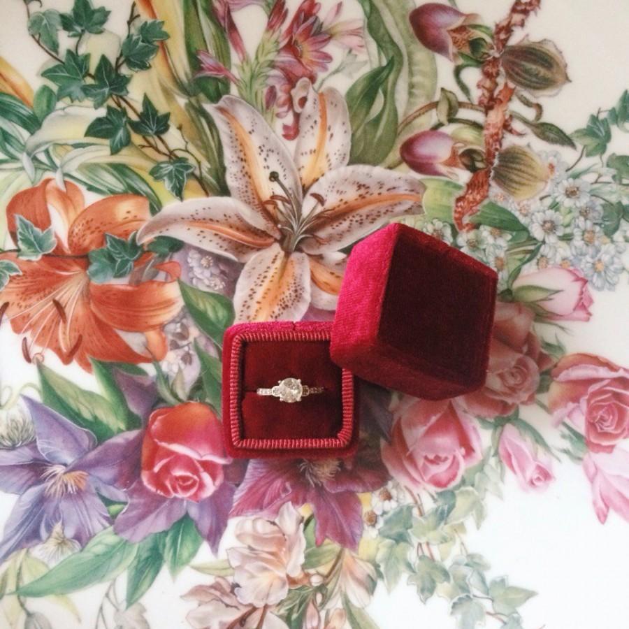 Mariage - Free shipping! Deep Red Wine Marsala Velvet Ring Box Handmade Wedding Vintage  Engagement Gift Bride