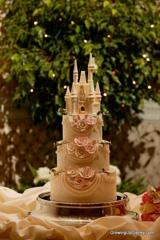 Свадьба - Growing Up Disney: Photo Flashback! My Own Wedding Cake Wednesday
