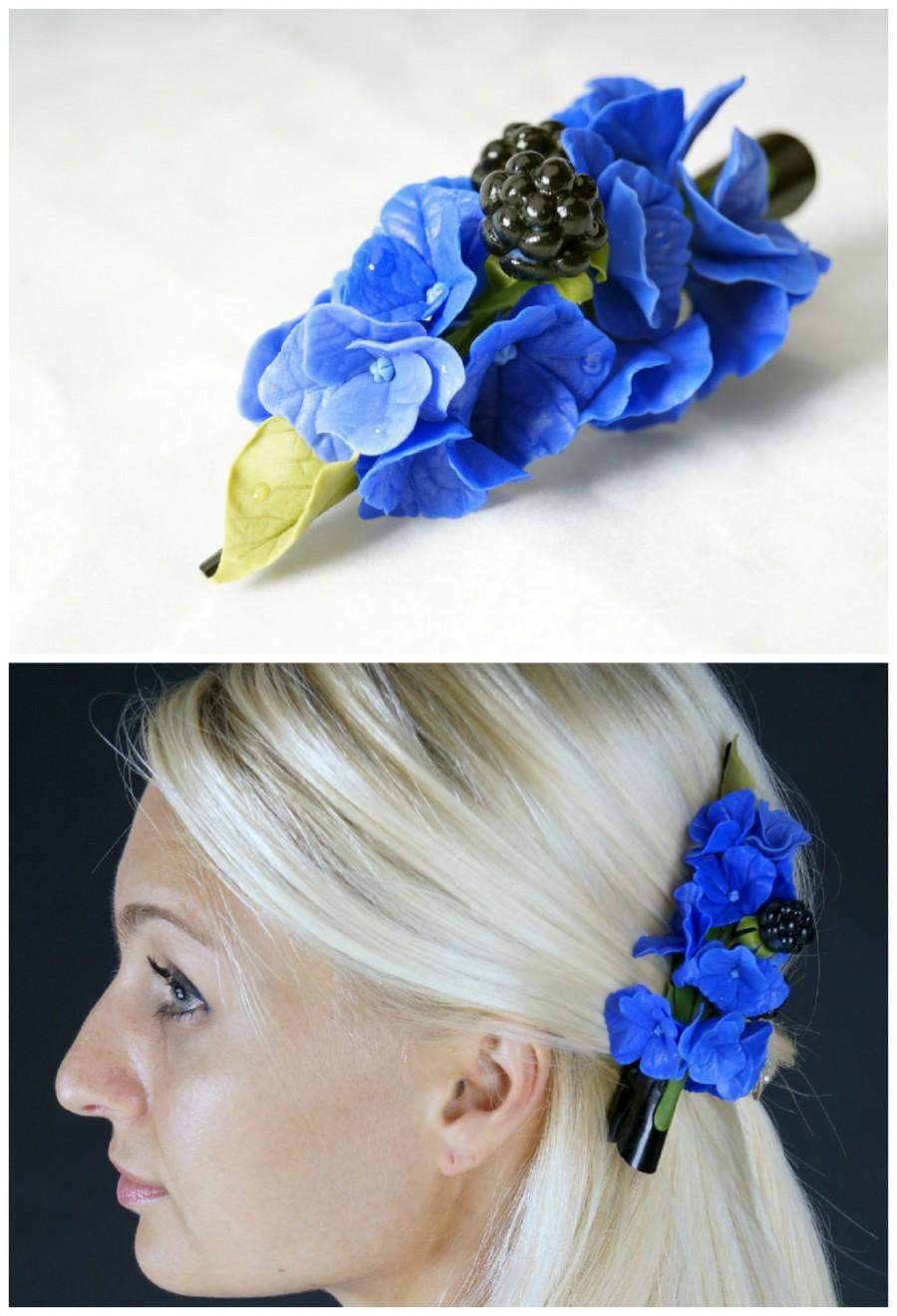Shop pretty blue flower jewelry and hair accessories in shades of Sapphire, Cobalt, navy and Light Blue. Blue tones can offer a casual style with denim or a formal style too.
