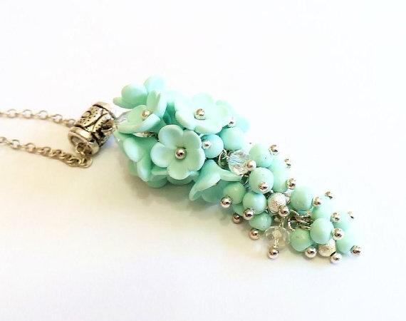 Mariage - Mint flower. Crystal Swarovski Necklaces. Mint Green Flower Necklace. Drop Pendant. Mint Flower Necklace. Wedding Jewelry Gift