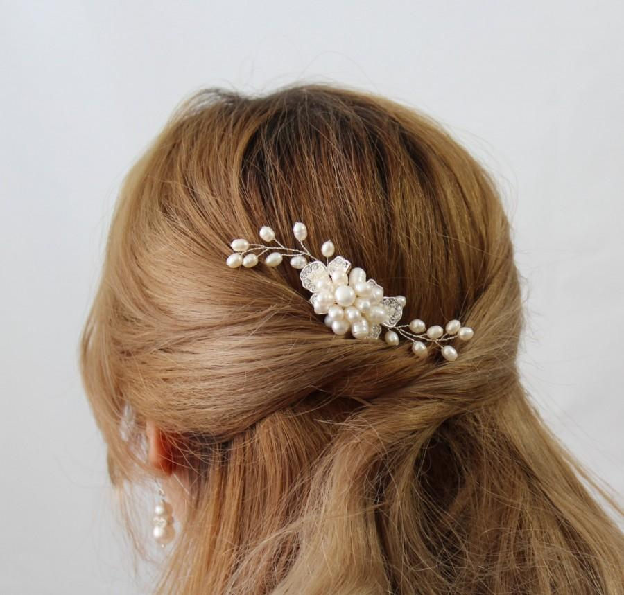 Hochzeit - Pearl Bridal Hair Comb, VICTORIA  Hair Comb, Bridal hairpiece, Wedding hair accessories, Bridal Headpieces,