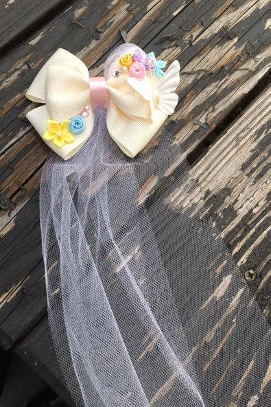 Hochzeit - Happily Ever After Glass Slipper Princess Wedding Bow with Veil