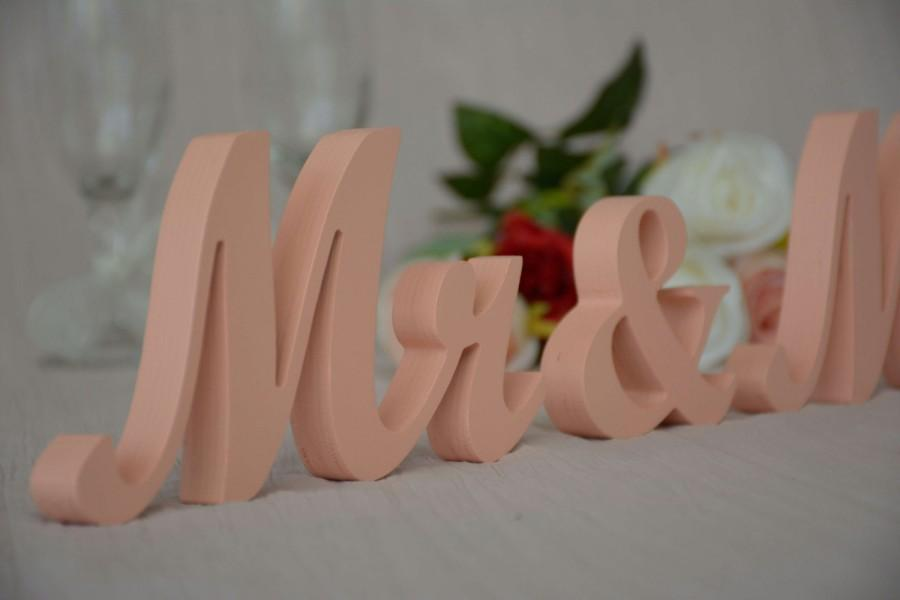 Hochzeit - Peach wedding sign Mr & Mrs. Elegant wedding sign for top table decoration. Bride and groom table decor.