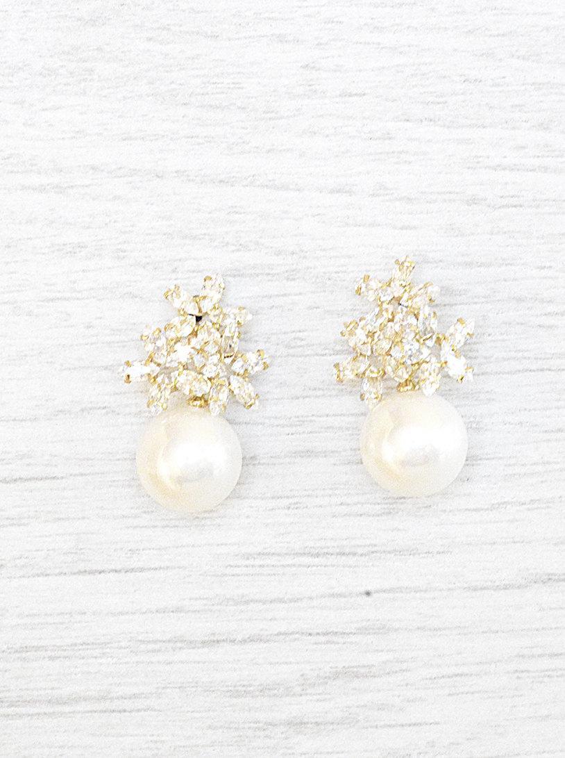 Hochzeit - RESERVED FOR JULIA Pearl stud earrings. Bridal Earrings. Crystal Bridal Jewelry. Crystal stud Earrings. Wedding pearls Earrings. Bride pearl