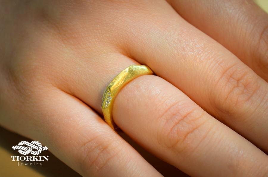 زفاف - Wedding faceted Ring, Vintage Wedding Ring, Gold and Diamond Engagement Ring, Matte Gold and Diamond Ring, Asymmetric Wedding Gold Ring