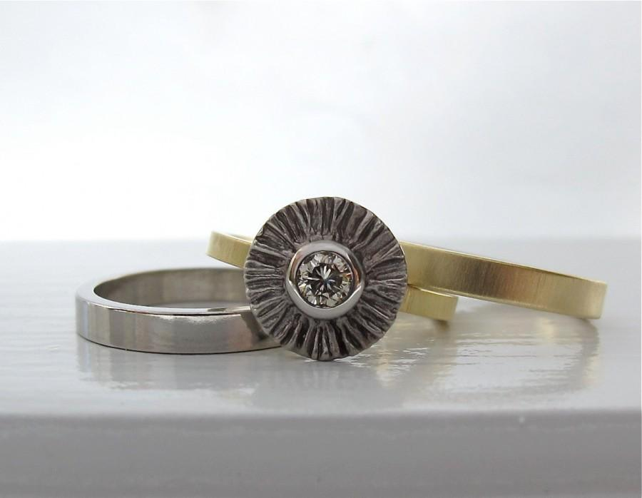 Mariage - Ruffled 950 palladium and 18kt yellow gold ring with a light champagne diamond