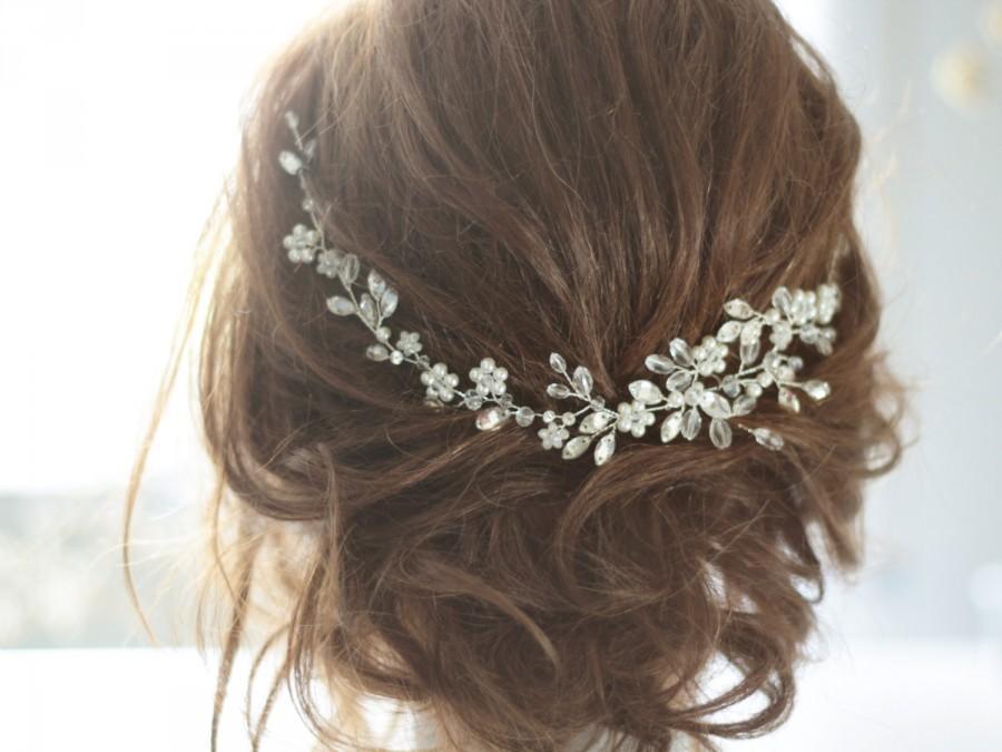 Hochzeit - Bridal Headpiece, Crystal Bridal Hair Piece, Cristal and Pearl Bridal Headpiece, Bridal Hair Halo, Crystal and Pearl Wedding Hair Piece.