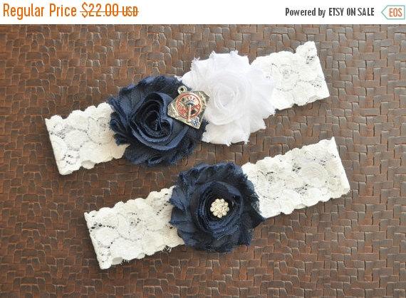 Свадьба - SALE New York Yankees Wedding Garter Set, New York Yankees Bridal Garter Set, White Lace Wedding Garter, Baseball Wedding Garter, Yankees Ga