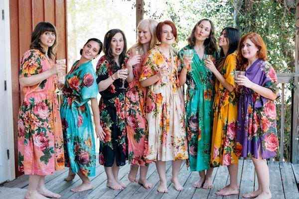 Свадьба - Large Floral Blossom Bridesmaids Kaftan Robes. Getting ready caftan robes. Bridal shower favors. Wedding photo prop. Ankle length Robes