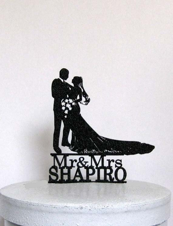 Wedding - Personlaized Wedding Cake Topper - Bride and Groom silhouette with Mr & Mrs Last Name