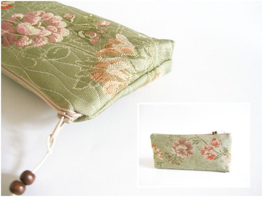 Mariage - Green Wedding Purse, OOAK Clutch for Cosmetics, Rustic Bridesmaid Bag, Floral Evening Wallet