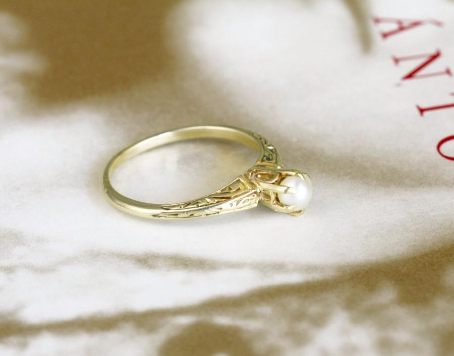 Mariage - Edwardian Pearl Engagement Ring, Victorian Pearl Ring, Antique Pearl Engagement Ring, 14k Gold Pearl Solitaire Ring, Vintage Pearl Ring