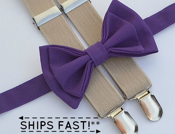 Mariage - Dark Purple Bow Tie & Beige Suspenders -- Ring Bearer Outfit -- Groomsmen Bow Tie Suspenders