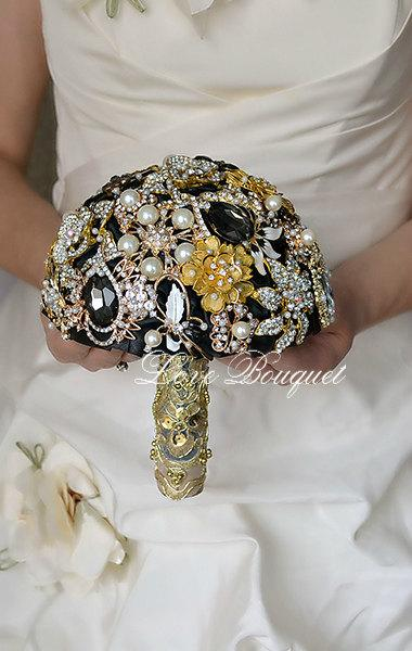 "زفاف - SALE!!! 7"" Brooch Bouquet Egypt Style, Black and Gold Wedding Bouquet, Bridal Bouquet, Jewelry Bouquet, Crystal Gothic Wedding Bouquet"