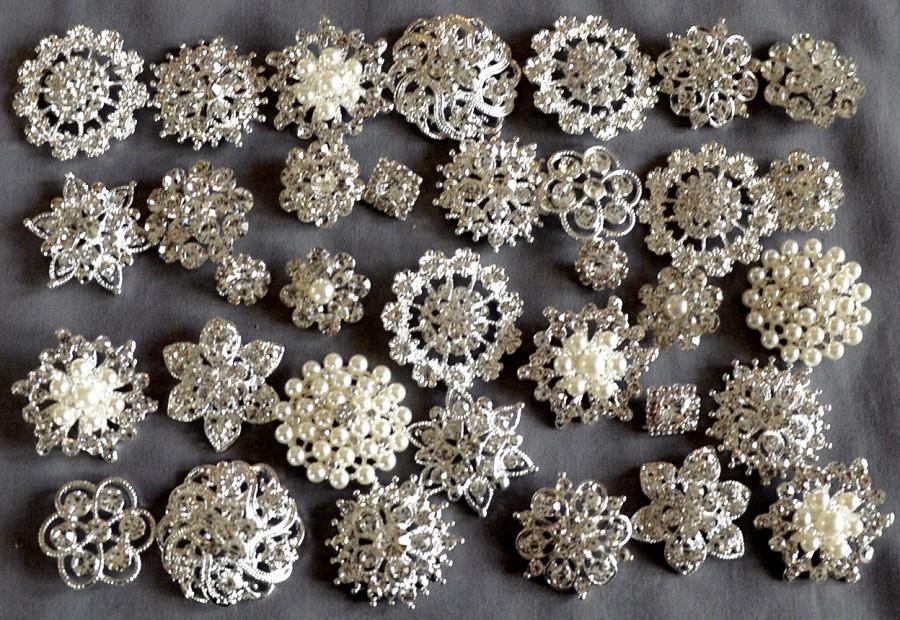 Свадьба - 50 Assorted Rhinestone Button Brooch Embellishment Pearl Crystal Button Wedding Brooch Bouquet Invitation Cake Decoration BT549