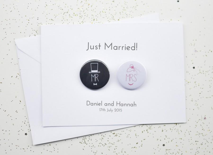 Hochzeit - Wedding Card with Badges - Just Married / Mr and Mrs / Congratulations  - Personalised