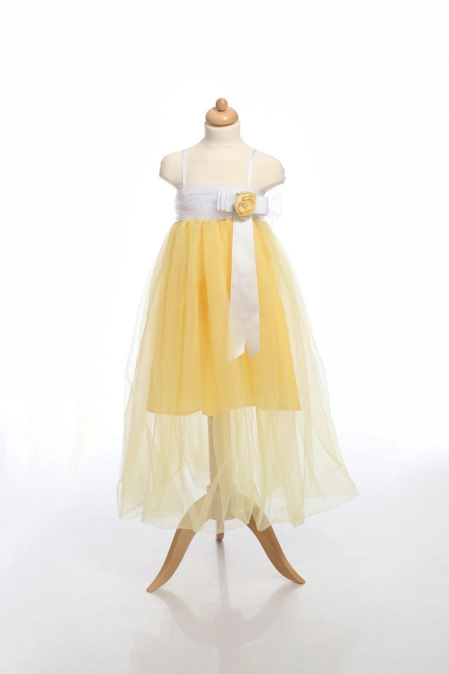 Mariage - Tutu Flower Girl Dress,Belle princess dress, Yellow Girl Dress, Yellow and White Tulle with Yellow flower and ribbon toddler dress, Fairy