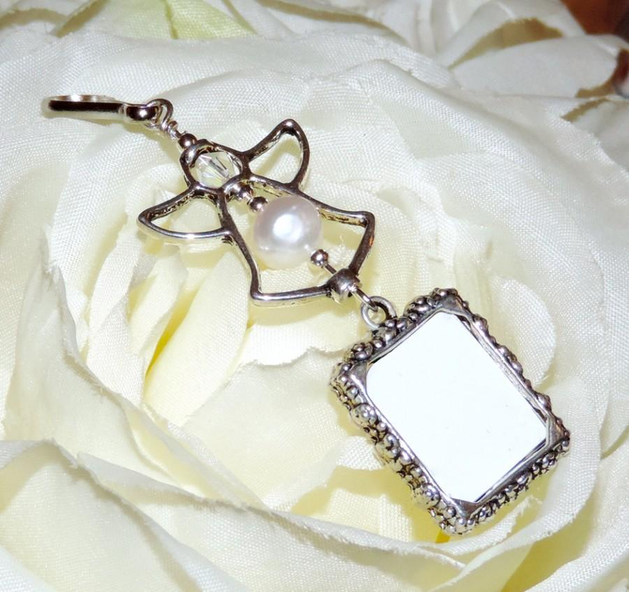 Hochzeit - Wedding bouquet charm with 1 or 2 sided frame. Pearl Angel. Wedding bouquet photo charm w/ pearl or crystal. Bridal shower gift. Photo charm