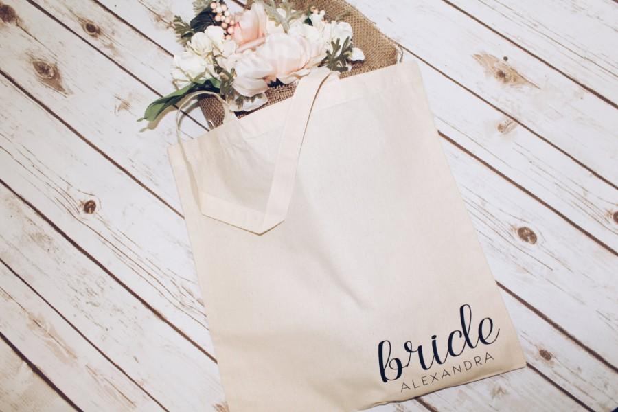 Свадьба - customized Bride Tote bag. Bridal party gift.Bridesmaid gift. Bridal shower gift. Bachelorette gift.