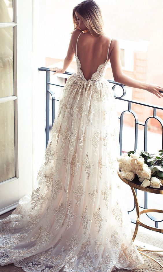 100 prettiest vintage wedding dresses you will love 2546210 100 prettiest vintage wedding dresses you will love junglespirit Choice Image