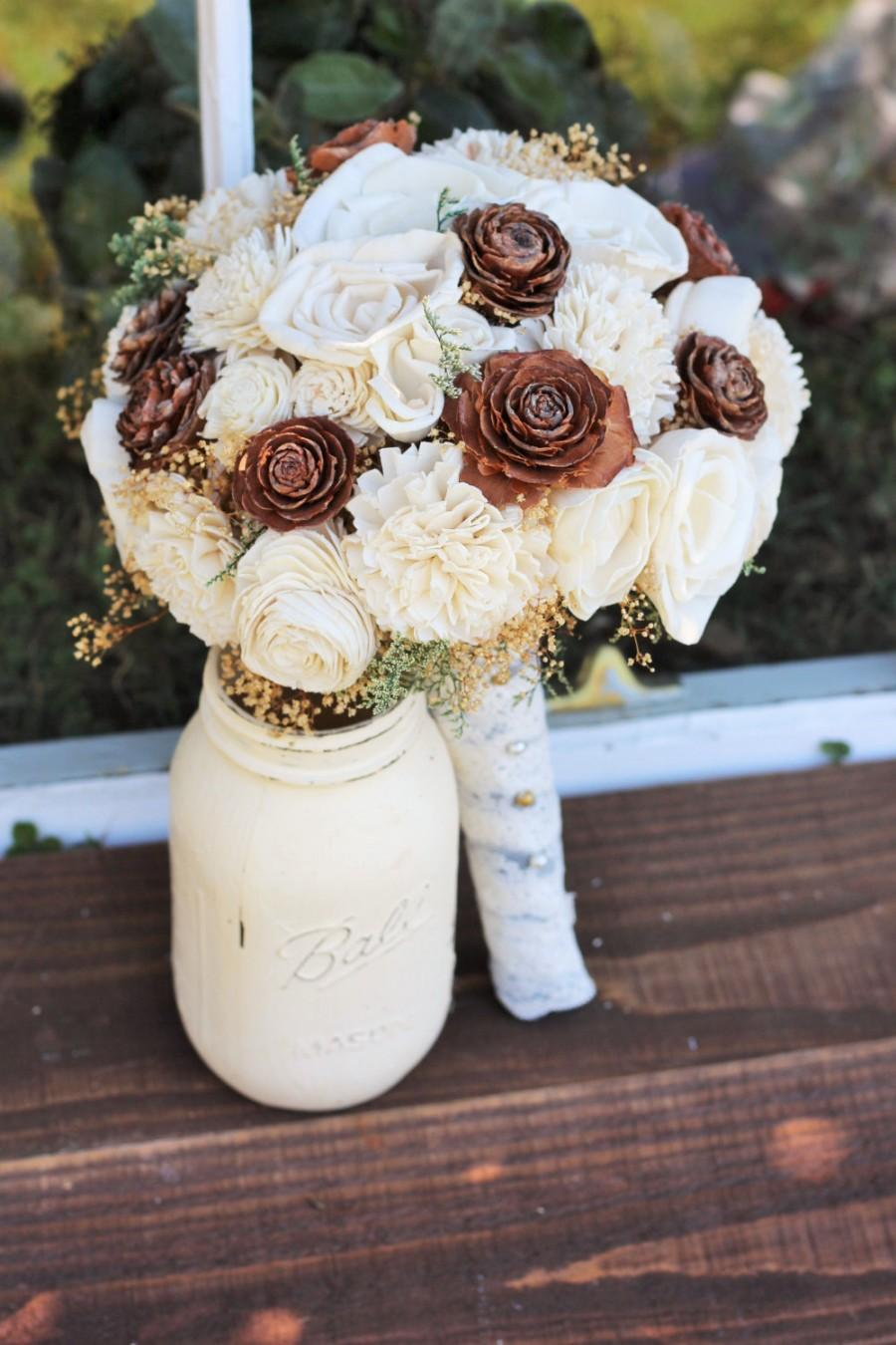 Mariage - Wedding Bouquet, bridal, Winter Wedding Bouquet, Fall Wedding Bouquet, Spring Bouquet, Sola Bouquet, Rustic Wedding, Alternative Bouquet