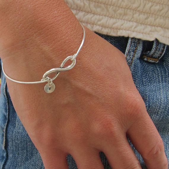 Hochzeit - Set of 4 Bridesmaid Gift Bracelets Personalized Bridesmaid Jewelry, Initials on Infinity Bracelets, Silver or Gold Bridesmaid Bracelet Gifts
