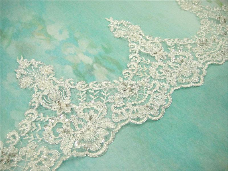 Mariage - Ivory Lace Trim, Beaded Lace Trim, Floral Lace Fabric, Vintage Flower Lace Trim, 7.5 inches Wide for Veilling, Costume, Craft Making 1 Yard