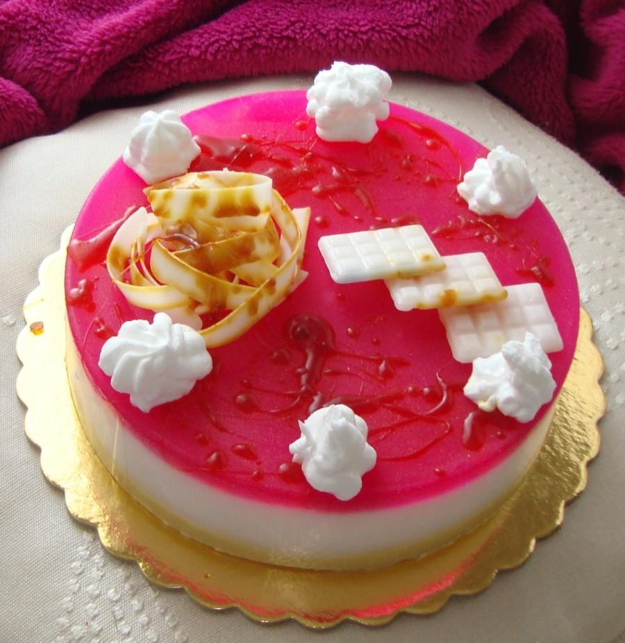 Mariage - Wedding Centerpiece Decor, Pink Caramel Artfully designed Scented Soap Cake, Designer Soap, Table Centerpiece, Handmade Soap, Specialty Soap