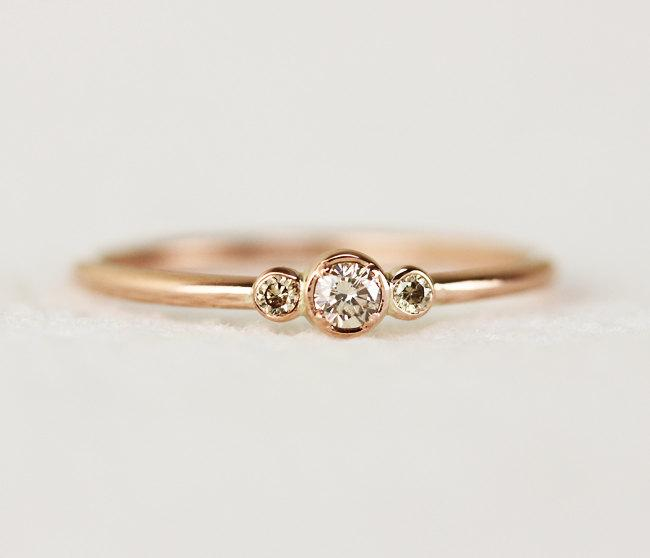 Mariage - Three Stone Champagne Diamond Engagement Ring,Thin 3 Stone Dainty Bezel Set Engagement Ring,Three Stone Bezel Champagne Diamond Ring