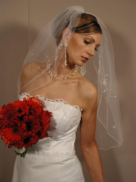 "زفاف - Wedding veil elbow length 30"" 1 layer hand beaded flowers and pencily edging. Ready to ship piece."