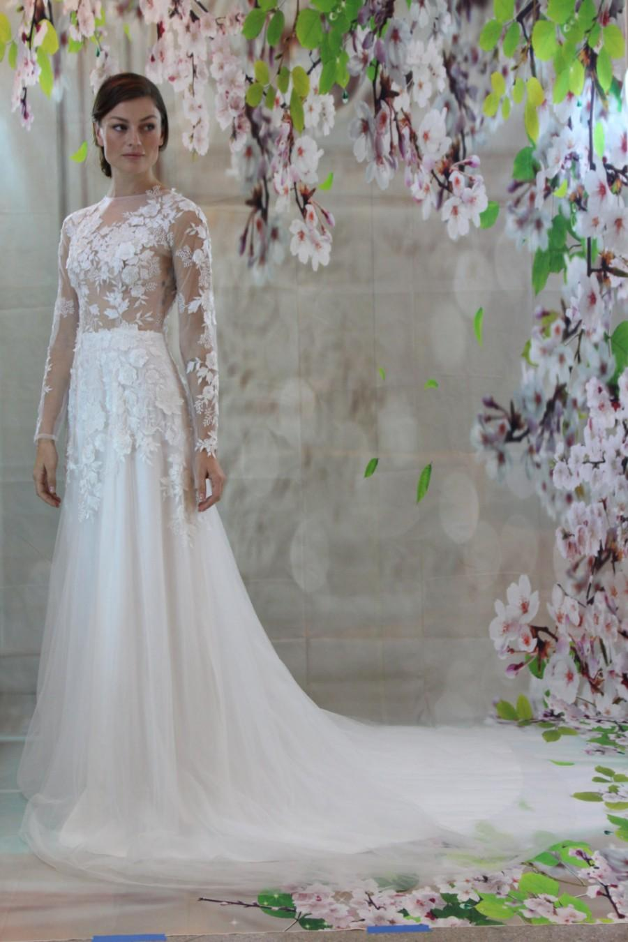 Sexy Romantic 3d Lace Silk Bridal Gown Beach Wedding Dress