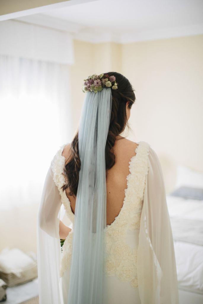 Mariage - Unique Bridal Looks: Colored Wedding Veils