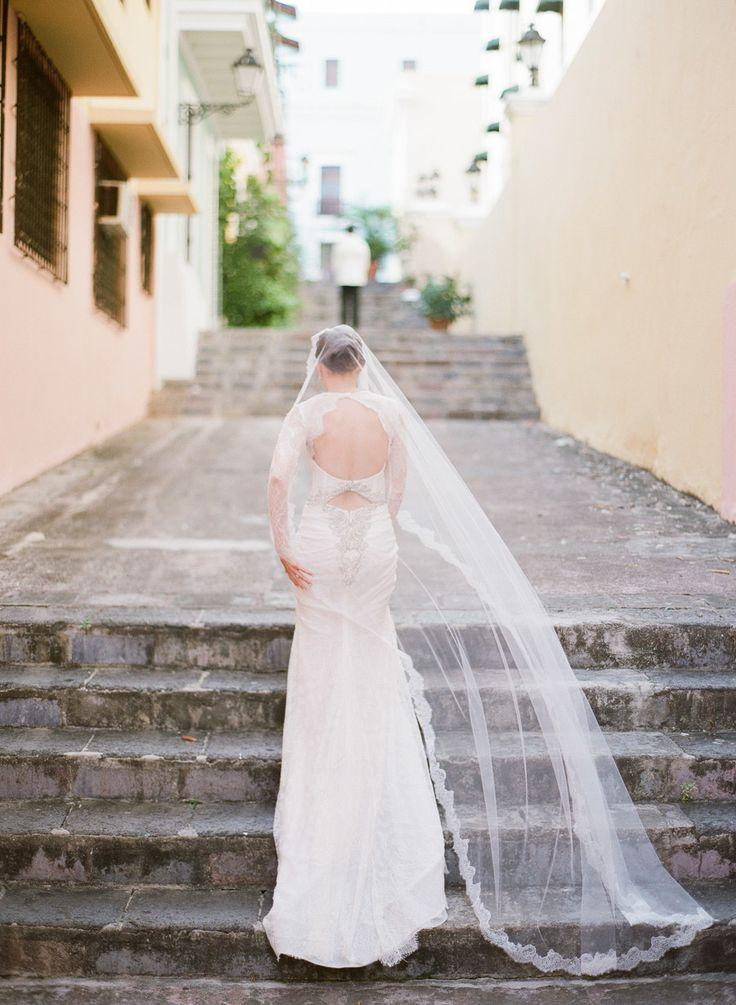 Wedding - A Puerto Rico Wedding Anchored In Old-World Glamour