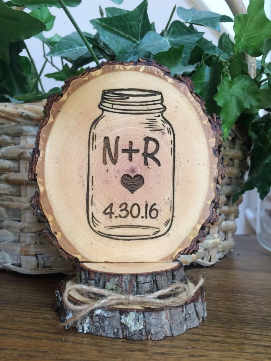 Mariage - Mason Jar Wedding Cake Topper, Personalized Topper, Rustic Wedding Topper, Stacked Wood Topper, Barn Wedding, Woodland Wedding
