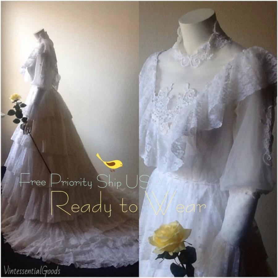 Wedding - SALE / Vtg Wedding Dress / White Lace Bridal Gown / Summer Bride / Ranch Wedding / Rustic / Woodland / Ready To Wear / Free USA Ship
