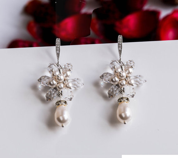 Свадьба - Statement Wedding Earrings, Bridal Swarovski Pearl clusters Earings , Swarovski elements clusters earrings, Bridal Jewelry