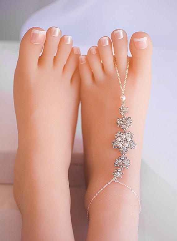 c66f7596aad A Pair of Swarovski Pearls Crystal Barefoot Sandal Foot Barefoot Wedding  Sandal Beach Wedding Accessories sandals Bridal foot jewelry