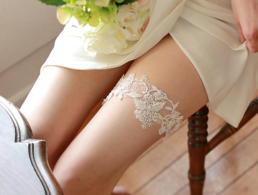 Wedding - Wedding lace garter set, ivory garter set, keepsake garter, toss garter - style 416