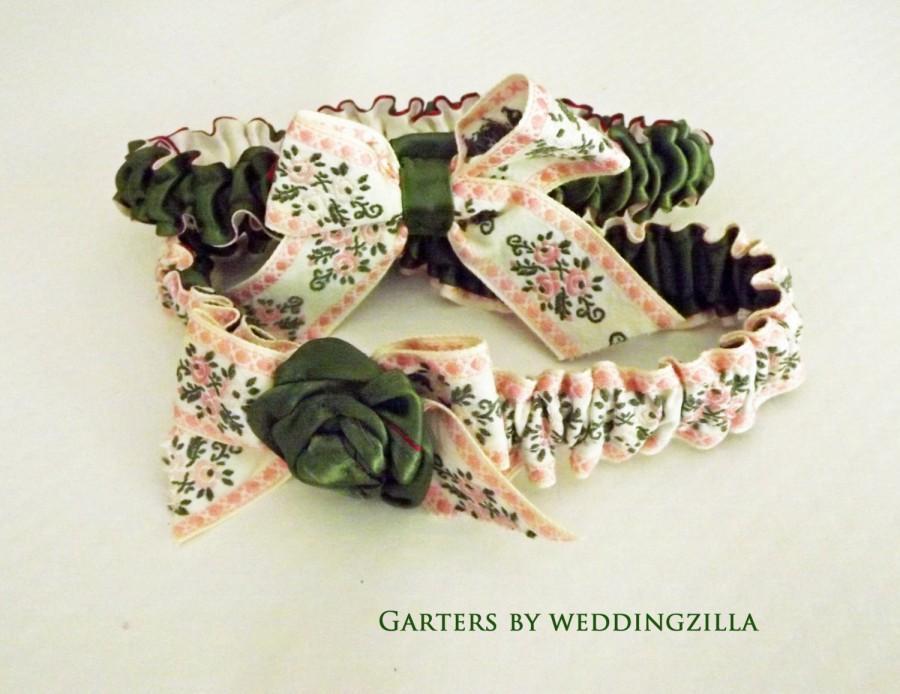 Свадьба - Victorian Wedding Garter Set /Pink Green Floral Garter Set  OOAK