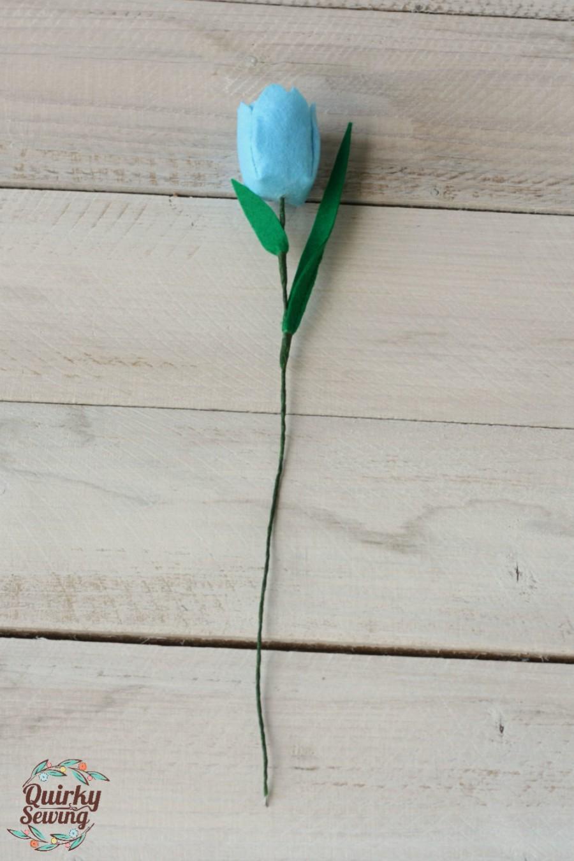 Свадьба - Felt Tulip, Felt Flower, Artificial Tulips, Wedding Flowers, Faux Flowers, Spring Flowers, Felt Tulips Bouquet, Custom Flower Bouquet
