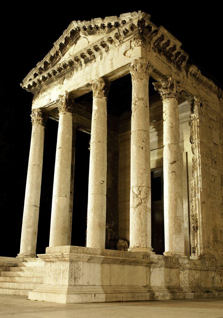 Mariage - Temple Of Augustus - Pula