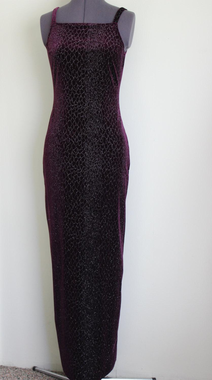 Hochzeit - FREE SHIPPING Vintage Purple Bridesmaid Prom Evening Velour Long Dress   Size 3