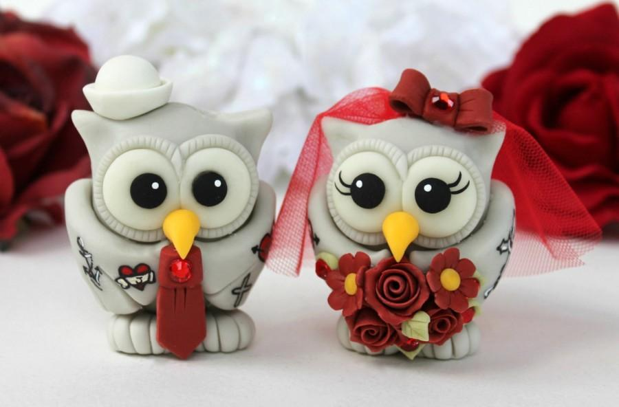 Свадьба - Owl tattooed wedding cake topper, tattooed bride and groom, custom love bird with banner