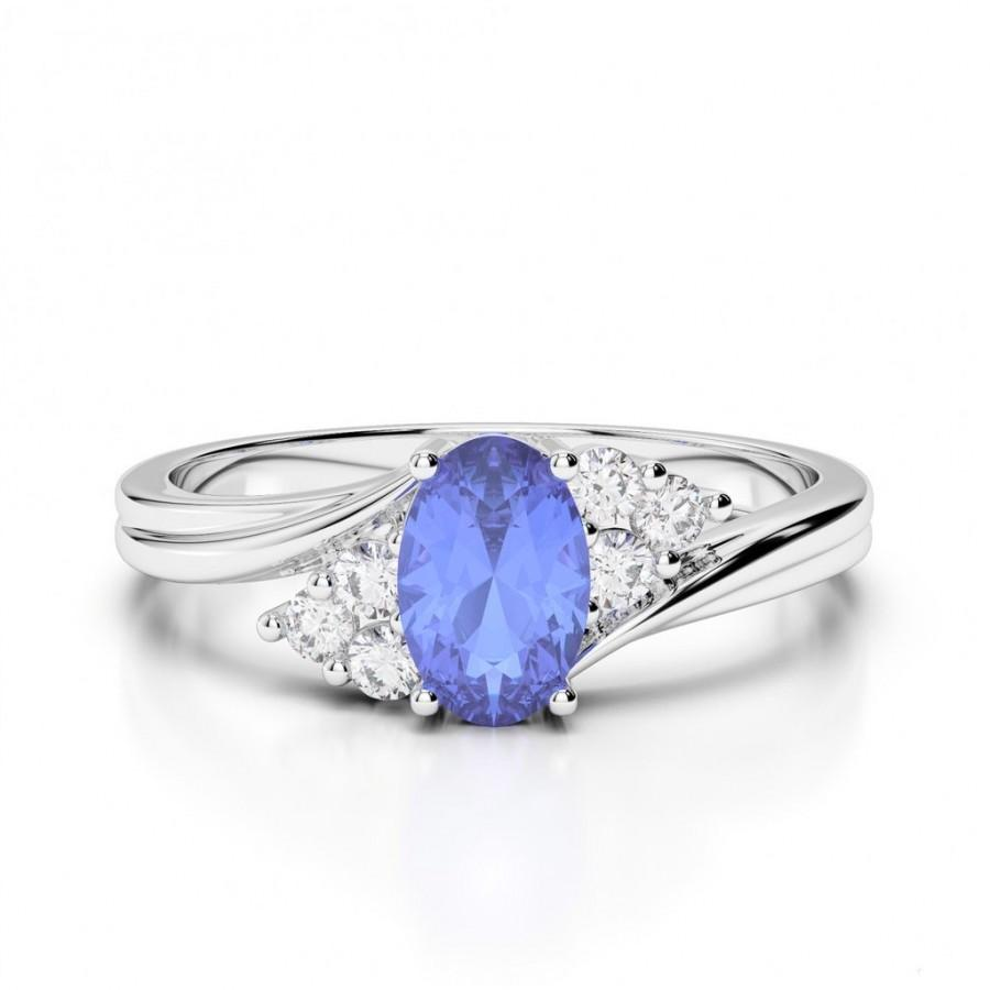 ring engagement and shaped gold tanzanite diamond brilliant rings cut white