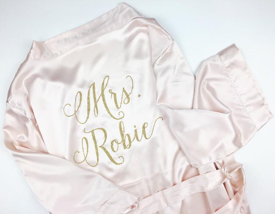 Pre Wedding Gifts For Bride: Wedding Day Robe