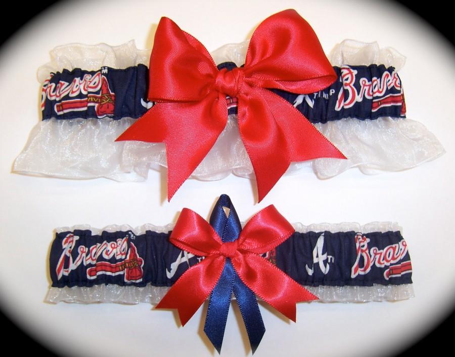 Свадьба - Handmade Wedding Garter Set Atlanta Braves Keepsake and Toss Bridal rn1
