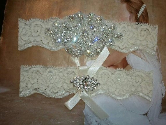 Свадьба - SALE - Shop Best Seller - Bridal Garter Set - Crystal Rhinestone on a IVORY Lace - Style G2047