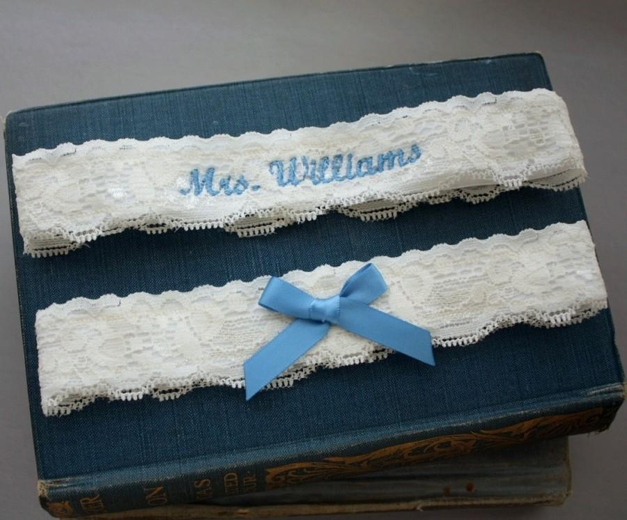 Свадьба - Embroidered Lace Garter Set, Personalized Garter Set, Blue Garter, Wedding Garter Set, Something Blue - Ivory, White, or Off-white Lace