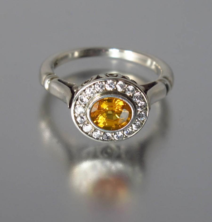 زفاف - THE SECRET DELIGHT 14k gold Yellow Sapphire engagement ring with diamond halo